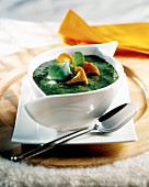 Lamb's lettuce and chanterelle soup