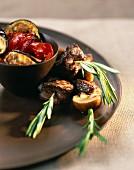 Kronfleischspiesse mit gegrilltem Gemüse