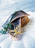 Pan-fried salmon with slices of chicory and Fourme d'Ambert sauce