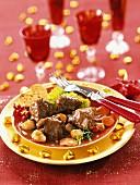 Rehragout in Jägersauce mit Maronen und Gemüse