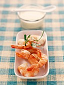 Shrimps with garlic cream
