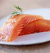 Thick pieces of smoked salmon