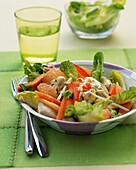 Cäsar Salat mit Grapefruit und Huhn