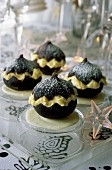 Figs with white mousse au chocolat