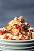 Fettucelle with tomatoes and bear's garlic