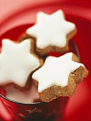 Star-shaped cinnamon biscuits