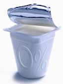 Pot of plain yoghurt 0% fats