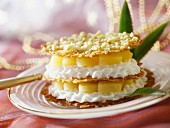 Caramel wafers with pineapple