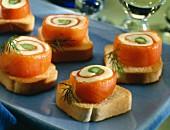 Salmon canapés with asparagus and dill