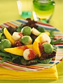 Salad with mango, avocado and hearts of palms