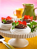 Meringues with chocolate cream