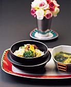 Bibimbap (Reis mit Gemüse und Rindfleisch, Korea)