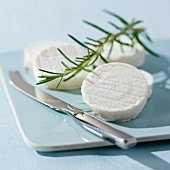 Cabécou (flat, round goat's cheese from Quercy)