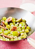 Stir-fried green grapes and figs with cinnamon