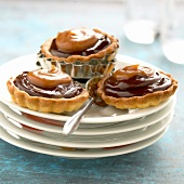 Chocolate and toffee tartlets