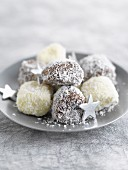Marshmallows with coconut and mint