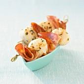 Scallop and bacon brochettes