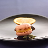 Orange-cardamom macaroon