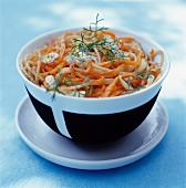 Spaghetti mit Karotten und Knoblauch