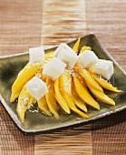 Mangosalat mit Kokosgeleewürfeln
