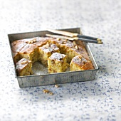 Honey and walnut cake