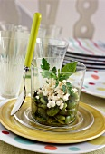 Fave-Bohnensalat mit Feta und Kräutern
