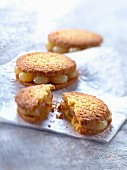 Shortbread cookies filled with lemon curd