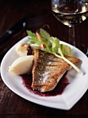 Pan-fried bass in red wine sauce with mashed potatoes