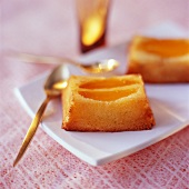 Mango-orange individual pudding
