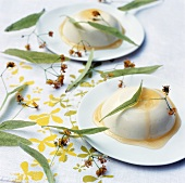 Panna cotta with lime blossom and honey sauce