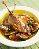 Duck conserve with figs and onions