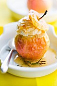 Baked apple with honey and rosemary