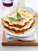 Lasagne mit Steinpilz-Bolognese und Bechamelsauce