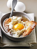 Bread sauce with egg