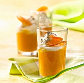 Blended stewed apricots with mascarpone mousse