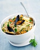Spaghetti and mussel salad