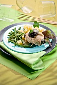 Rolled turkey breast with prunes and green beans
