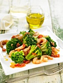 Broccoli, shrimp and tomato salad with olive oil