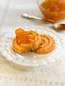 Biscuits with marmelade