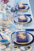 Blue party table presentation