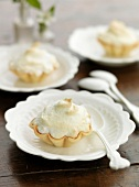 Meringue tartlet