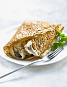 Chicken and mushrooms in mustard sauce Galette