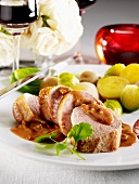 Filet Mignon mit Paprika-Wein-Sauce und Kohlsprossen