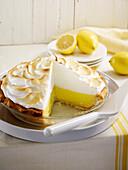 Zitronenkuchen mit Baiserhaube