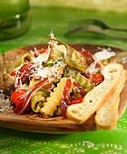 Pasta with artichokes and Spanish ham