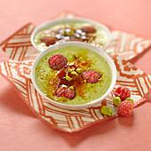 Pistachio -raspberry Crème brûlée
