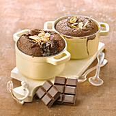 Moelleux (kleiner franz. Kuchen) mit Schokolade und Mandeln