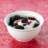 Soya milk yoghurt with blackberries marinated with jasmin
