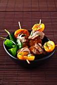 Pork and apricot brochettes