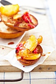 Caramelized apples and redcurrants on toasted brioche